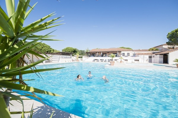 Hotel r sidences du colombier vacances ulvf frejus france for Piscine du colombier