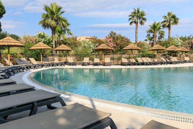 France Provence-Cote d Azur : Hôtel Club Le Capet