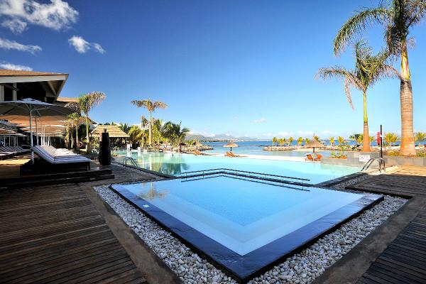 Hotel intercontinental mauritius resort balaclava ile for Hotel design piscine ile de france