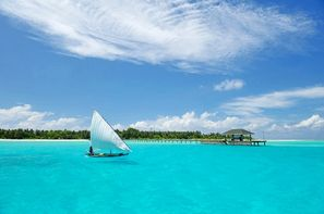 Maldives-Male, Hôtel Holiday Island Resort & Spa 4*