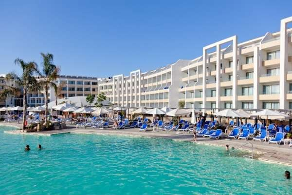 Hotel seabank resort spa by db hotels resorts la - Home salon la valette ...