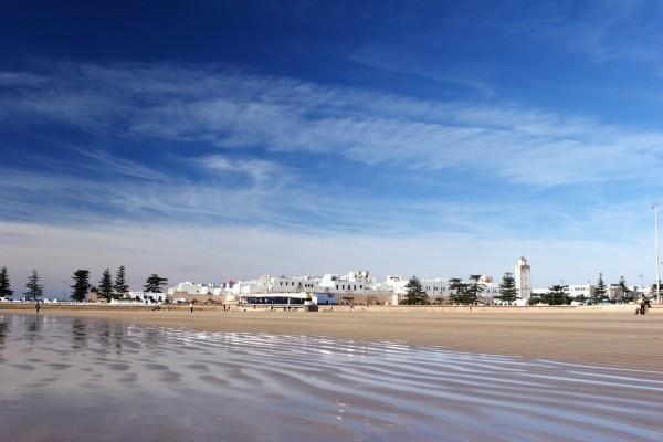 Essaouira depuis la plage - La Perle de Mogador (ex Ibis) by Accor Hotel La Perle De Mogador3* Essaouira Maroc balnéaire