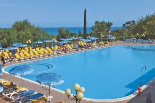 Hotel costa verde palerme sicile et italie du sud for Club piscine shawinigan sud