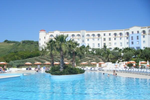 Hotel look a costanza beach selinonte sicile et italie du for Club piscine shawi sud