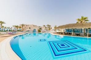 Club Al Jazira Beach & Spa