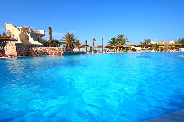 Piscine - Les Quatre Saisons Hotel Les Quatre Saisons3* Djerba Tunisie