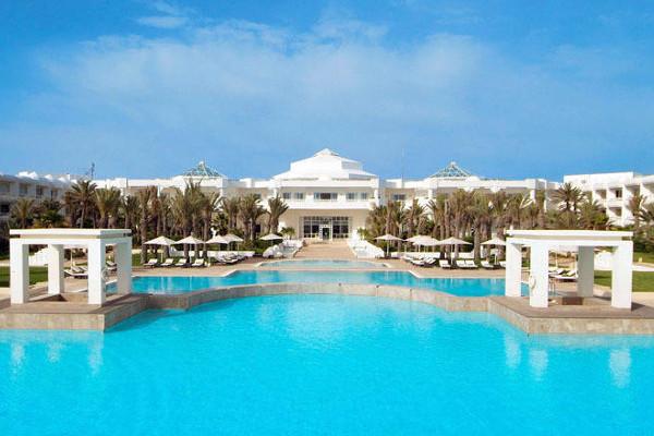 Hotel radisson blu palace resort thalasso djerba tunisie for Thalasso quiberon piscine