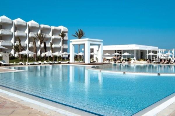 Hotel radisson blu palace resort thalasso djerba tunisie for Piscine demontable tunisie
